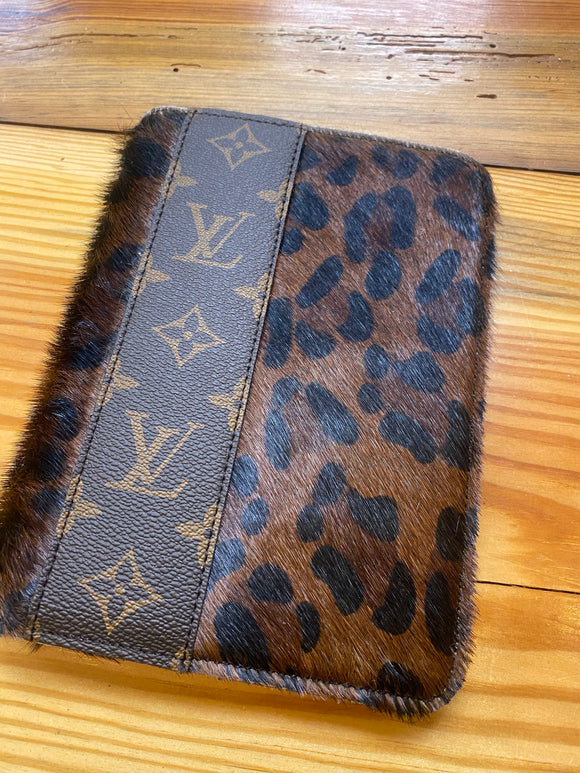 On The Go LV Pocketbook