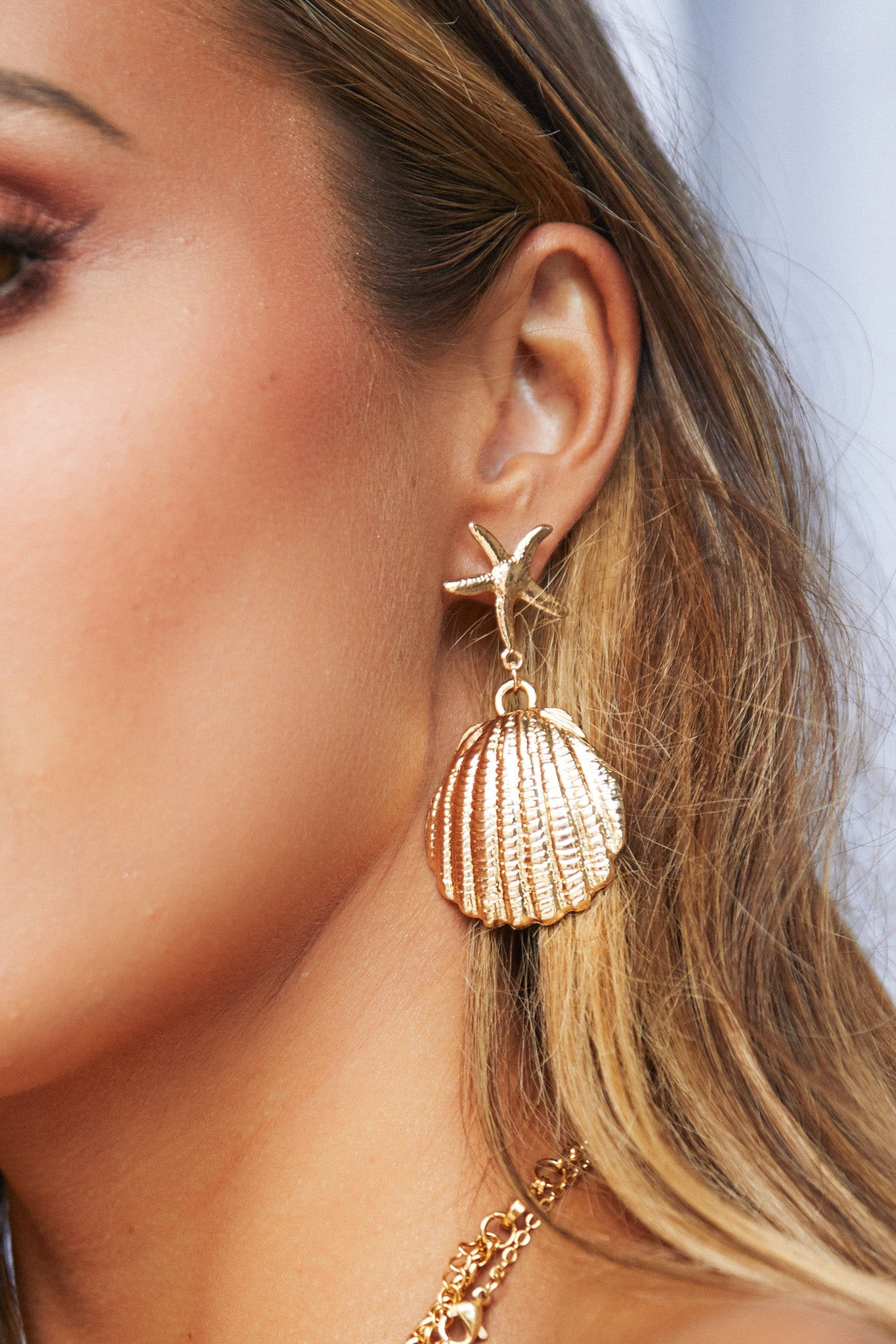 Coquille Earrings