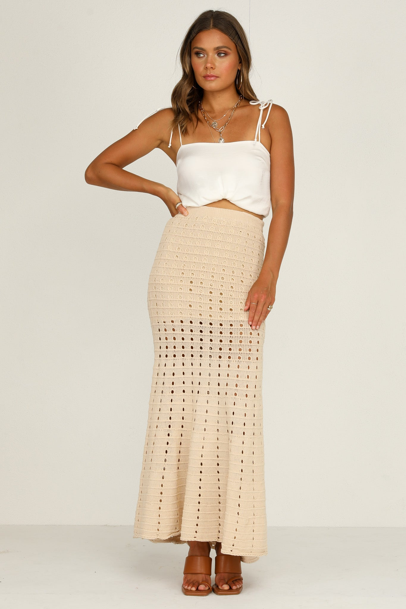 Rolling In Skirt (Beige)