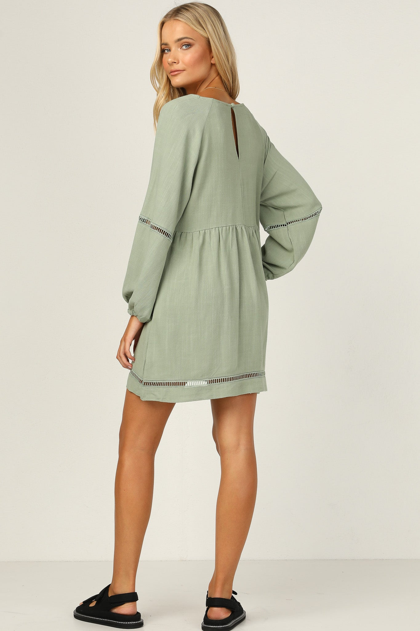 Laurina Dress (Sage)