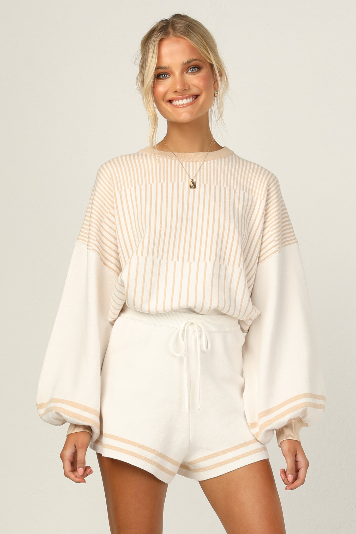 Jane Top (Beige)