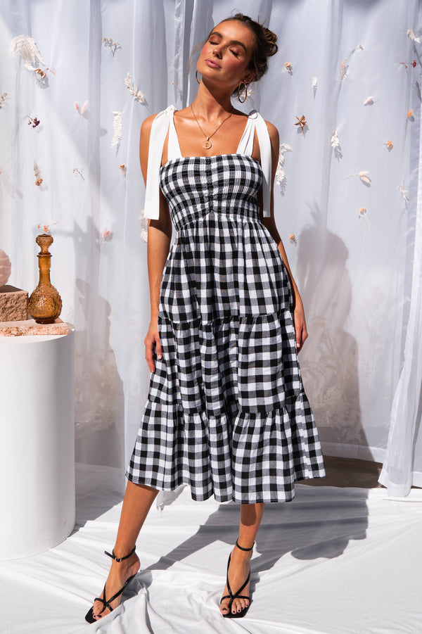 Leisure Dress (Gingham)