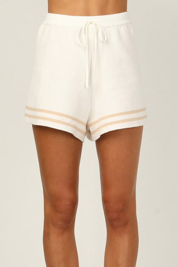 Molly Shorts (Beige)