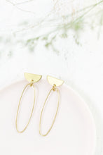 Load image into Gallery viewer, Oval D-Top Statement Brass Earrings