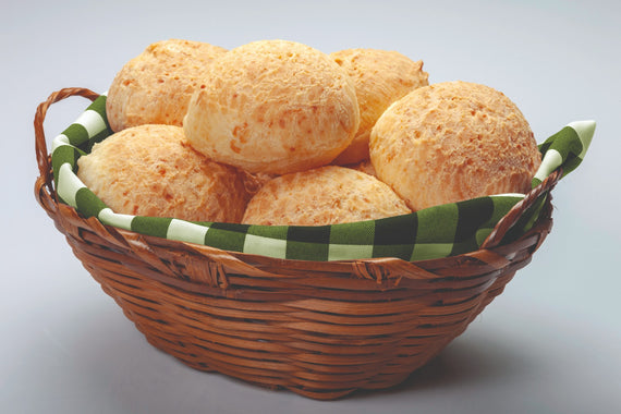 Pão de Queijo com Pepperoni Grande Farm Minas (Farm Minas Large Pepperoni Cheese Rolls )