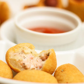 Bolinhas de Presunto e Queijo- Crua - Brazilian Made  (Brazilian Made - Ham and Cheese Roll)