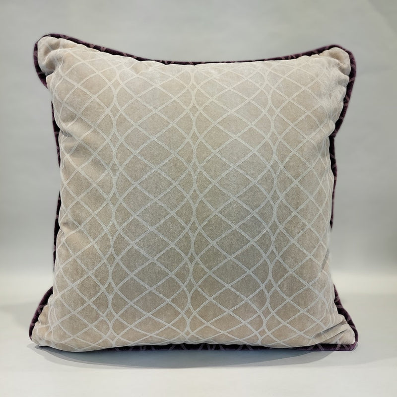 FLOW VELVET PILLOW (ivory- purple edge)