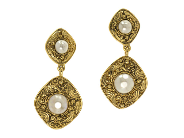 Chanel Vintage Gold Pearl Dangle Clip On Earrings