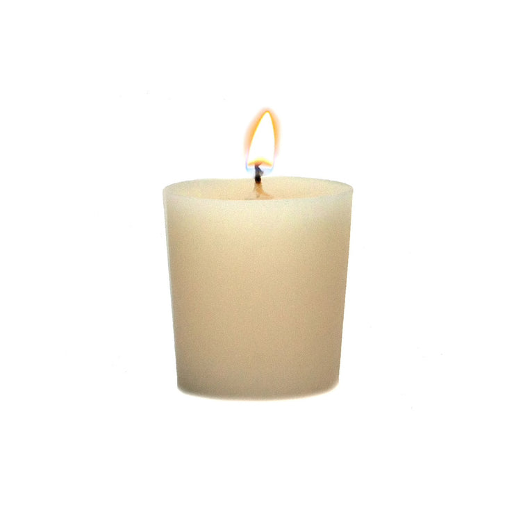 This highly fragranced Claire Burke® Vanilla Bean™ Votive Candle is the perfect finishing touch to any room or gift. A rich and decadent scent with vanilla buttercream frosting, sweet caramel marshmallow fluff, tonka bean and musk.