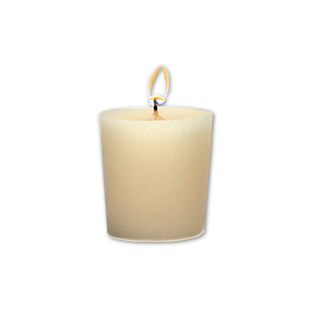 The perfect finishing touch to any room or gift. A fresh, light floral scent with notes of citrus, clean white cotton, spring lilies, white freesia, wildflowers, a hint of vanilla, warm woods and soft musk.