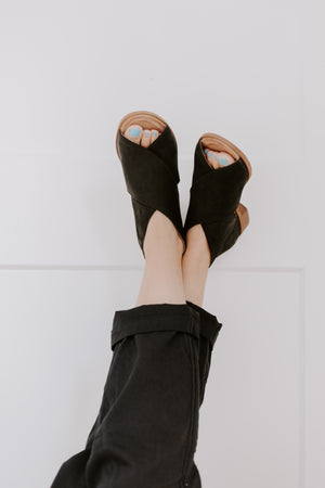 Gypsie Black Toeless Flat