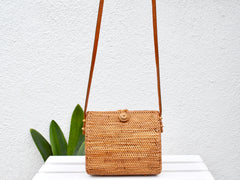 PHI PHI Crossbody- Natural Closure