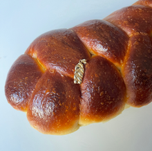 Load image into Gallery viewer, Garbage NY x Challah Dolly Challah Pendant