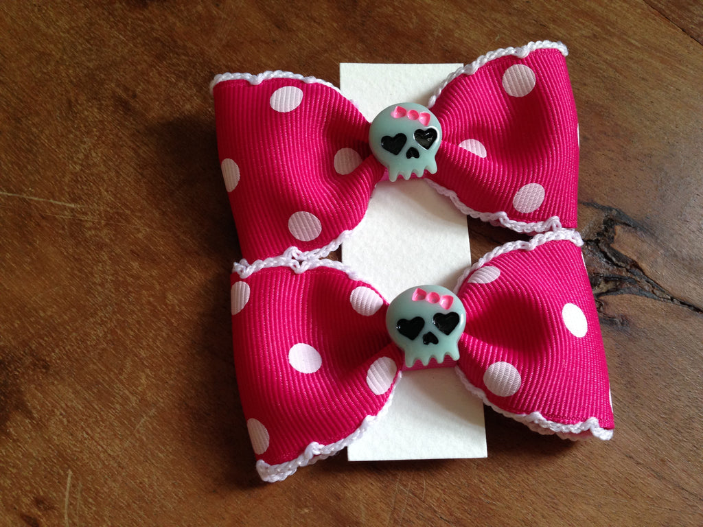 Insane Cutie Skulls Hair Bows by Punk Up Bettie