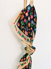 Load image into Gallery viewer, 60s Floral Scarf