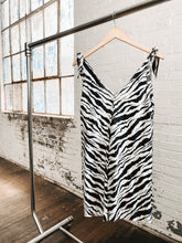 Load image into Gallery viewer, 80s White Tiger Print Dress