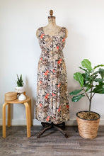 Load image into Gallery viewer, 80s Front-Button Floral Dress