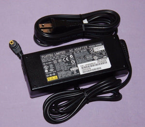 FUJITSU AC Adapter (3-pin) 65W/19V standard type. Supported models: E559,E549,E459,E449,E558,E548,E458,E448