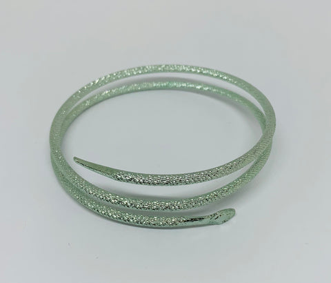 Green tone metal snake bangle
