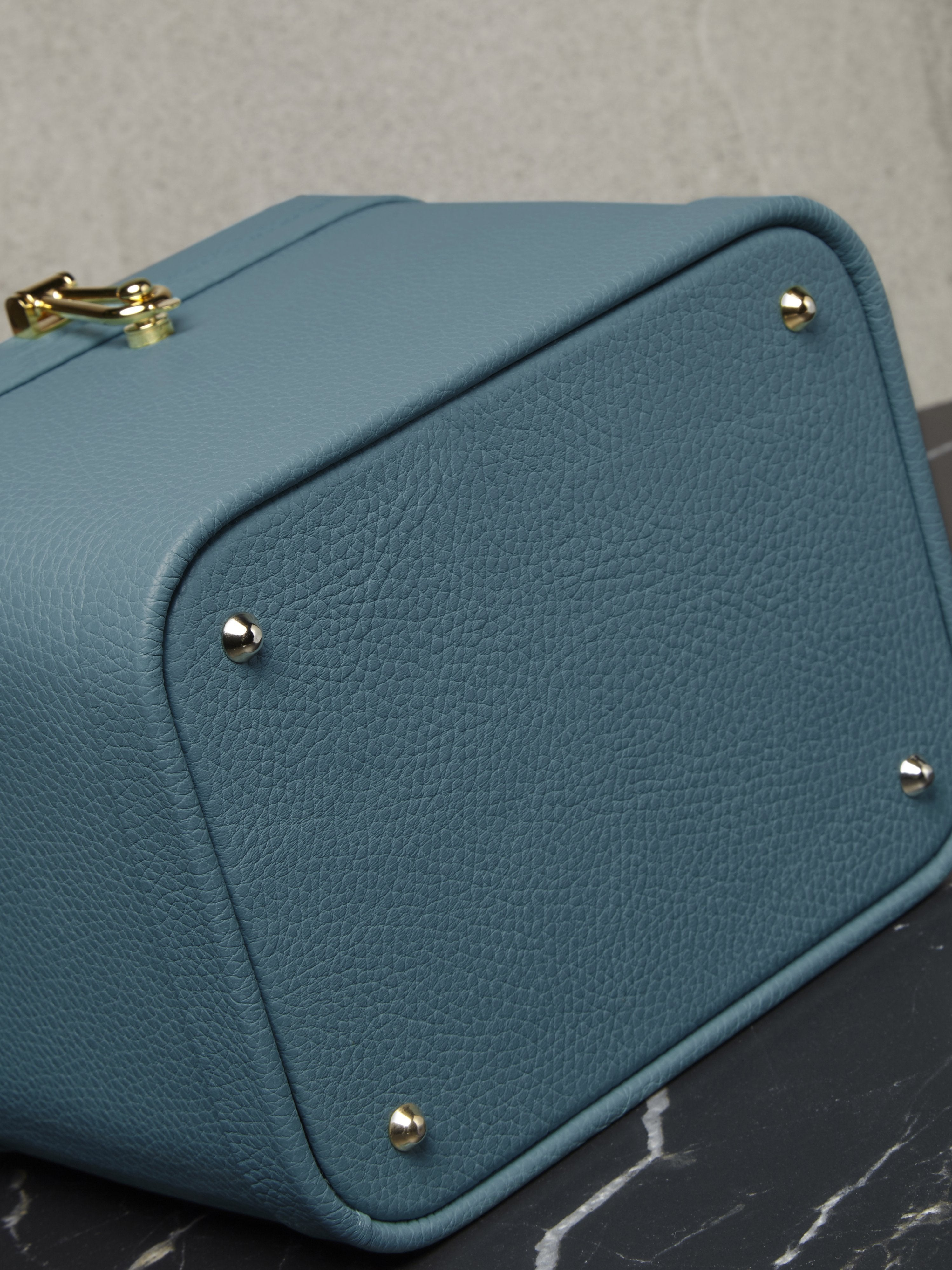 Blue calfskin small vanity case