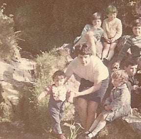 Agnes and her 7 children