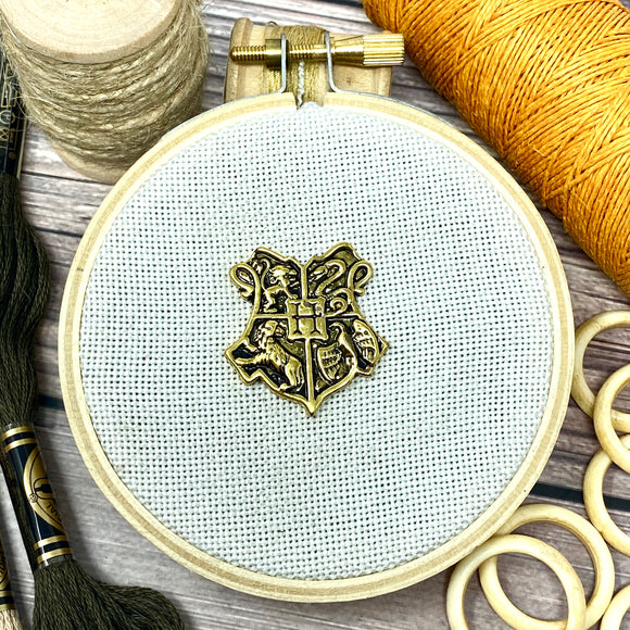 Magical School Crest Needle Minder
