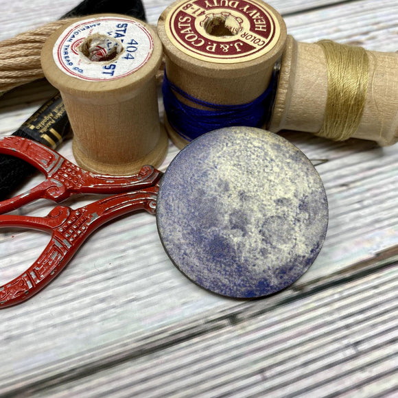 Full Moon Needle Minder