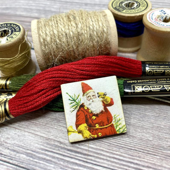 Santa with a Bugle and a Tree Needle Minder
