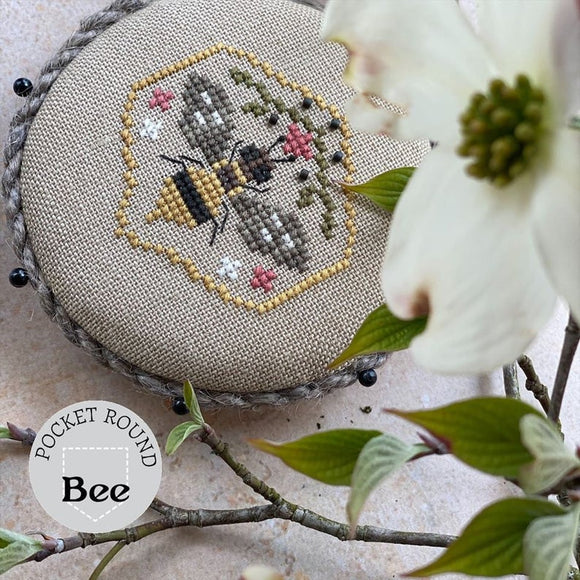 Pocket Round Bee | Heart in Hand