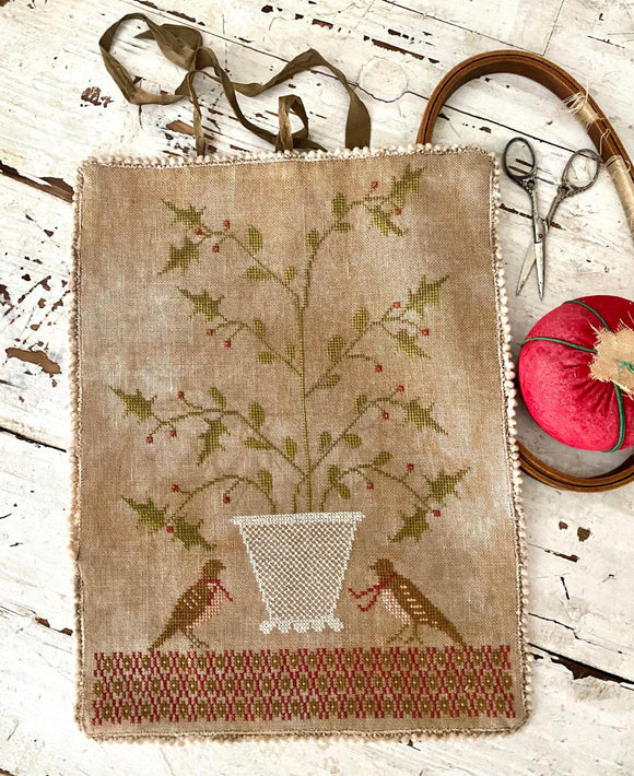 Holly Basket Sewing Roll | Stacy Nash - Needlework Expo