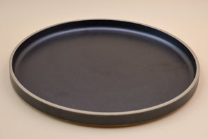 Hasami Porcelain Dinner Plate (black)