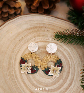 White Christmas Wreaths (Studs)