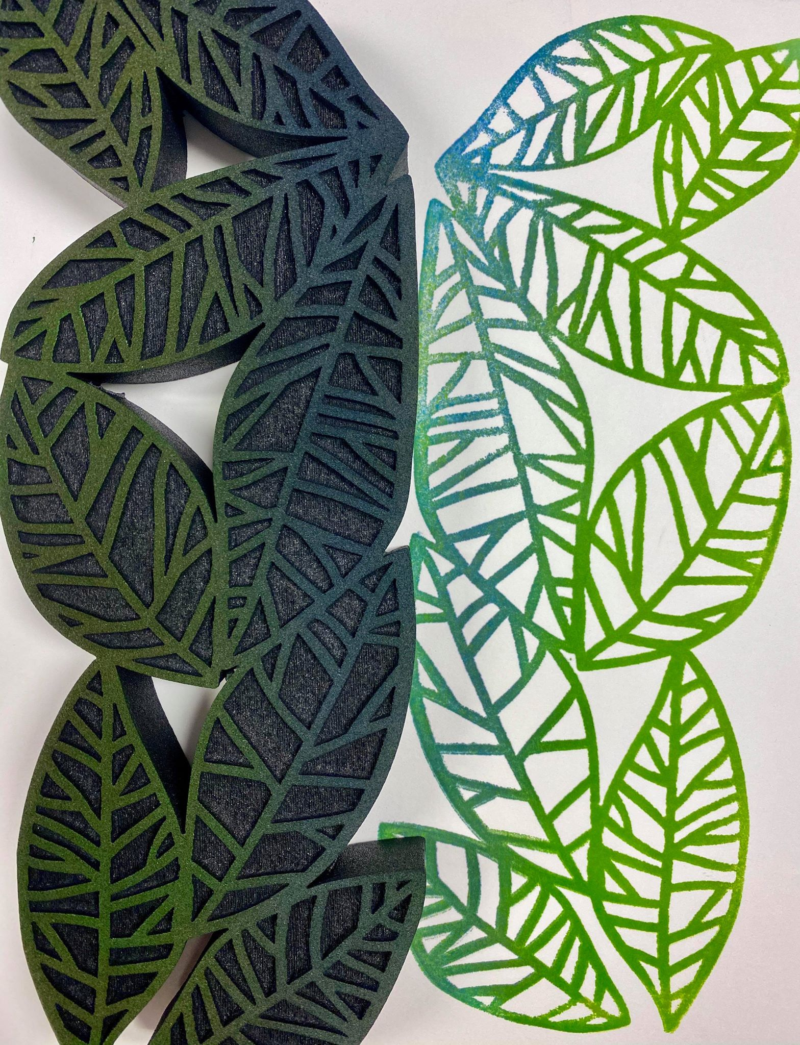 Balzer Designs | Leaf Vine | Foam Stamp