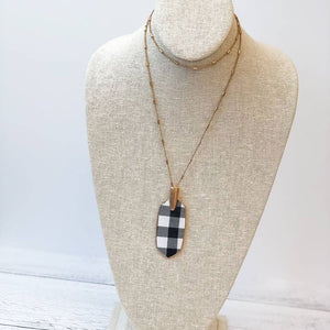 Oval Pendant Buffalo Check Necklace - White/Black