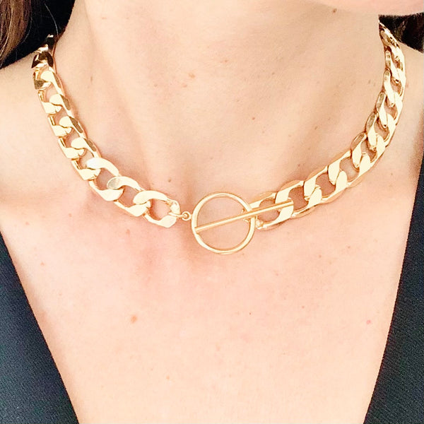 Chunky Gold Chain Toggle Necklace