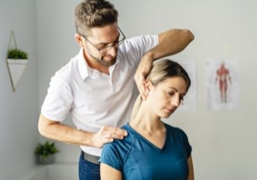 Common Causes of Neck Pain and Ways To Treat It
