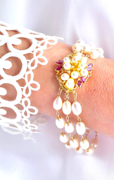 "Elegant Vintage 14K Yellow Gold Pearl, Diamond and Ruby Bracelet ""Elegance""💐"