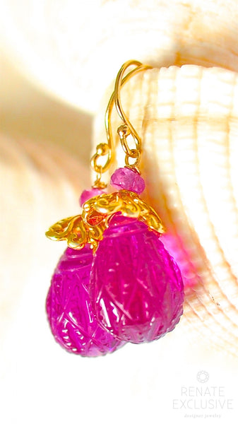 "Petite Natural Hot Pink Carved Quartz Earrings ""Berry"""