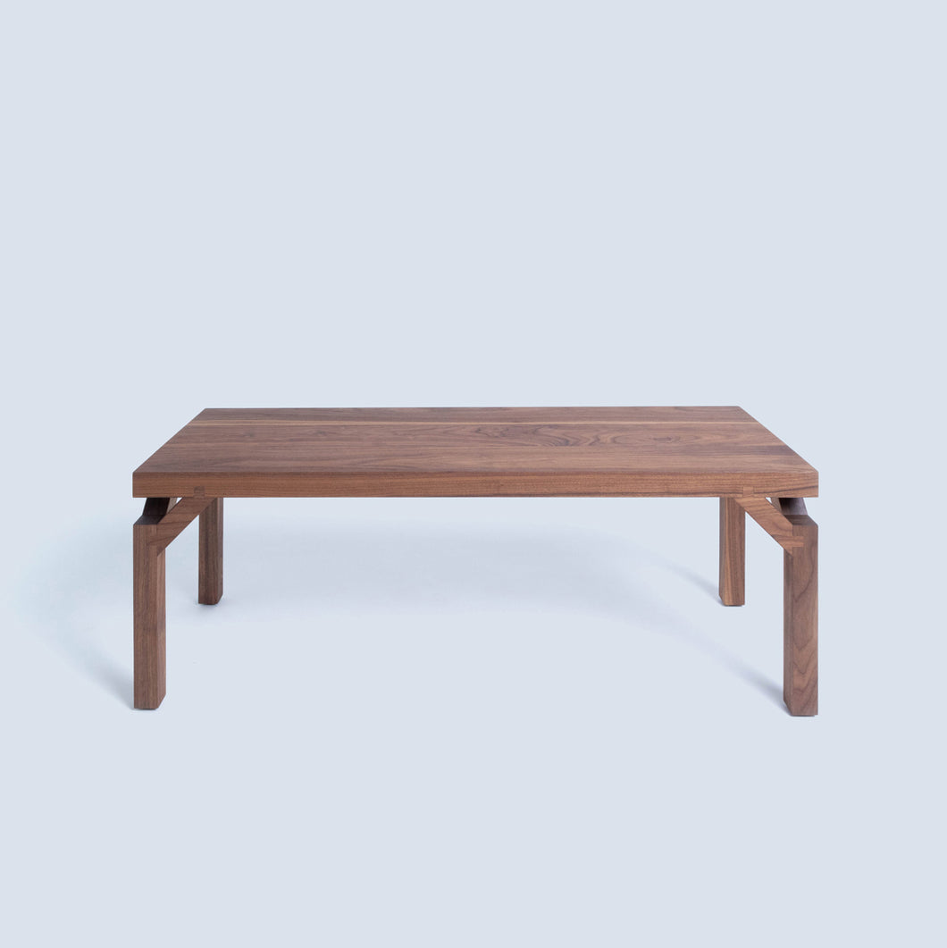 2020 Bench Collection | Emory Flush