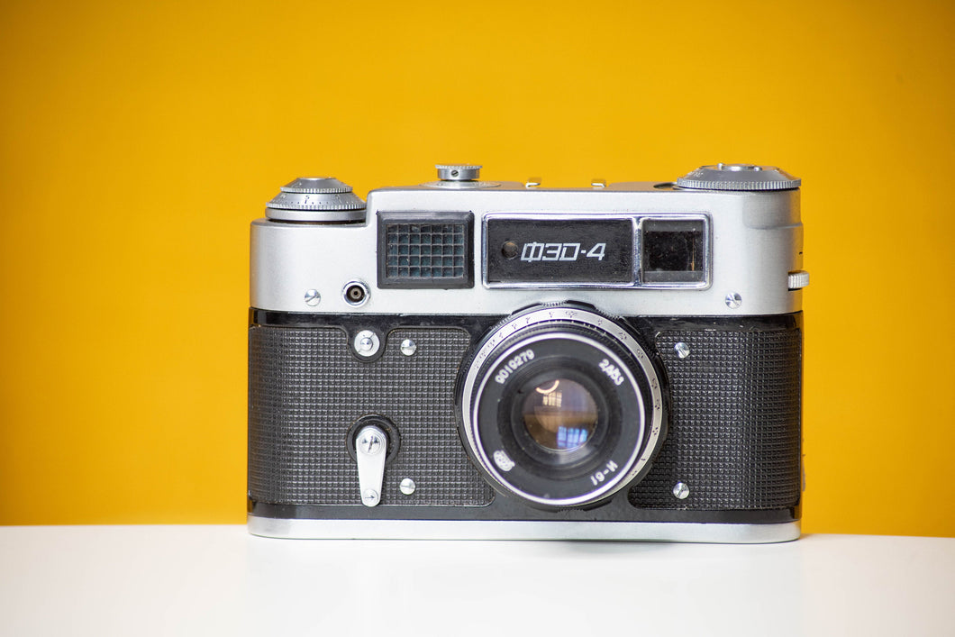FED 4 Russian 35mm CRF Vintage 35mm Film Camera (Coupled Rangefinder) & 53mm f/2.8 lens Good Condition And original Leather Case Gift Old