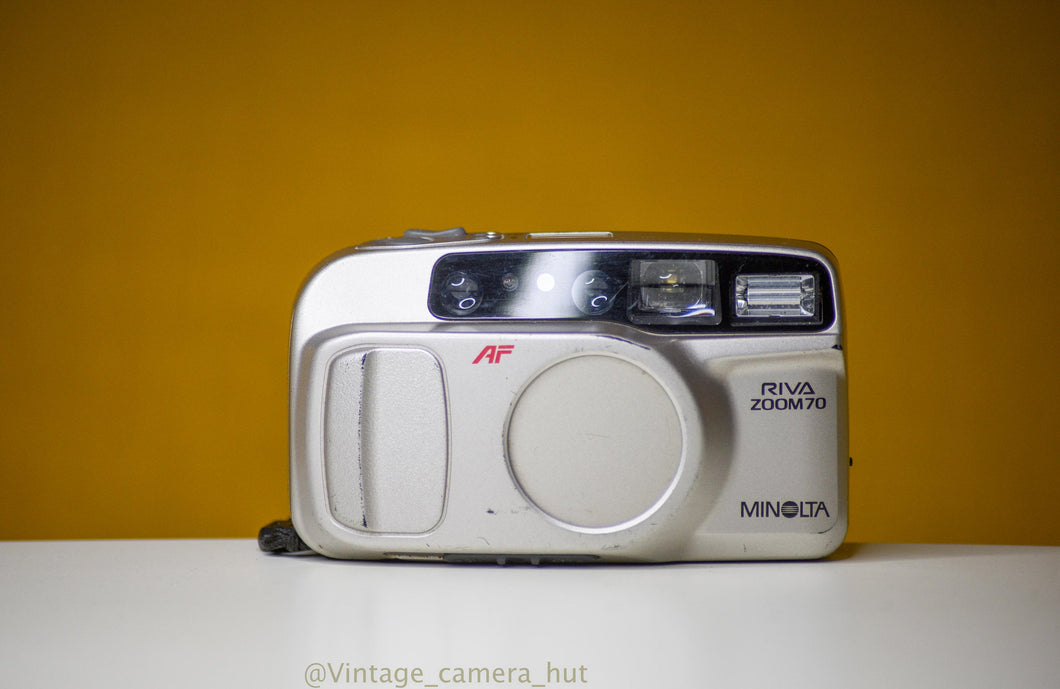 Minolta Riva Zoom 70w Vintage 35mm Film Camera Point and Shoot
