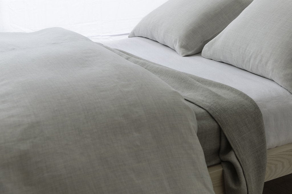 Area Bedding LIAM Graphite Full Queen Blanket