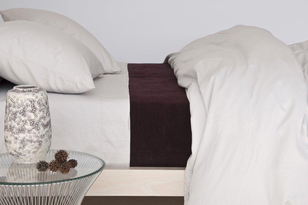 Area Bedding William Bordeaux Full/Queen Blanket