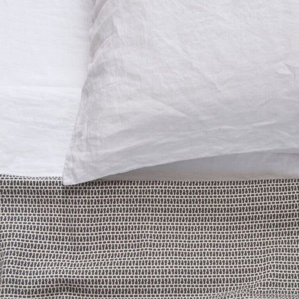 Area Bedding Nina Slate Throw