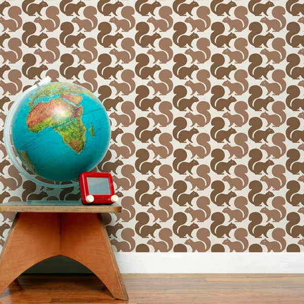 Aimée Wilder Wallpaper - Squirrels Latte