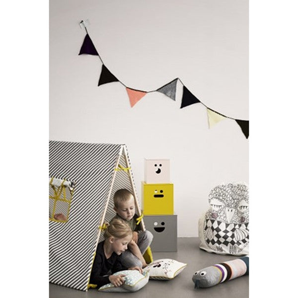ferm LIVING Happy Flags Olive
