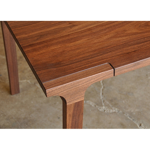 Iannone Winnie Dining Table