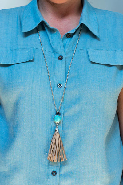 Terrific Tassle Vintage Necklace - Tan Leather