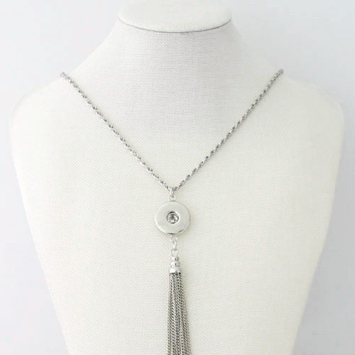 Terrific Tassle Vintage Necklace - Silver
