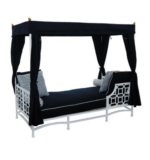 Cushioned Daybed w/ Canopy